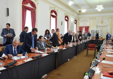 De două ori, în aceeaşi zi: Pásztor Sándor îi cheamă pe consilierii judeţeni la o nouă şedinţă, 'de îndată'