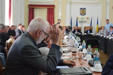 S-au aprobat noile salarii ale angajaţilor Consiliului Judeţean şi instituţiilor subordonate