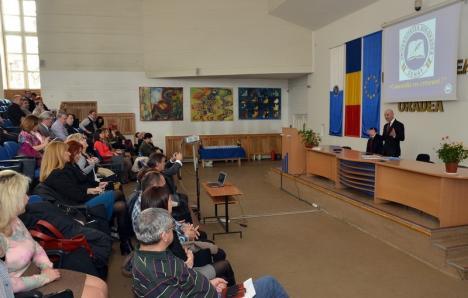 Şedinţa Senatului universitar s-a terminat cu circ: Studenţii îi cer demisia preşedintelui Curilă, pentru că nu a supus votului asocierea cu Primăria Oradea
