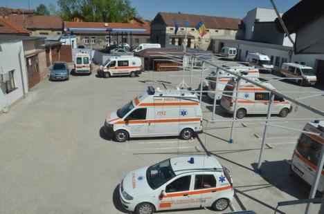 Concurs pentru şefia Serviciului de Ambulanţă Bihor: Din patru candidaţi, trei sunt membri PSD, iar doi au probleme penale