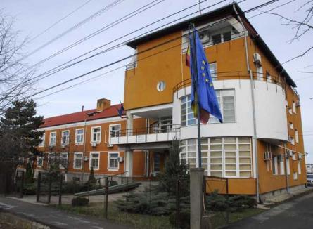 """Administraţia Bazinală de Apă """"Crişuri"""" a aplicat anul trecut penalităţi în valoare de peste 350.000 lei"""