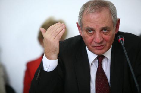 Ministrul Muncii îi 'linişteşte' pe români: În 2011 salariile puteau să scadă cu 30-50%