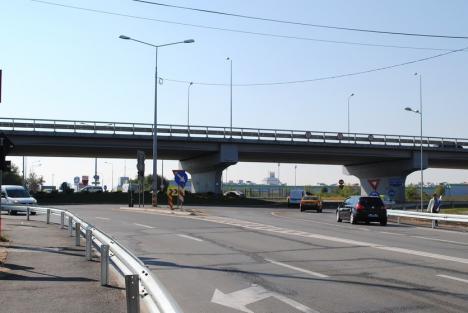 Bolojan: Traficul din sensul giratoriu din Calea Aradului va fi calmat de bretele pentru viraje la dreapta. Pietonii şi bicicliştii vor avea subtraversare!