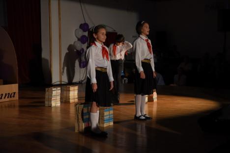 """Centenar """"Oltea Doamna"""": Ana Blandiana a lansat un premiu pentru cel mai bun elev, iar Bolojan l-a descoperit pe Birta la 'şcoala de fete' (FOTO)"""