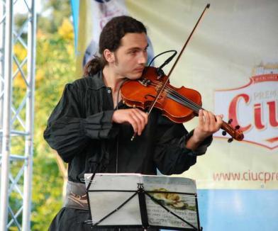 Ad-Hoc dă concert de muzică medievală la Librăria Humanitas
