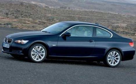 Şi-a tras BMW de 28.000 de euro pe acte false