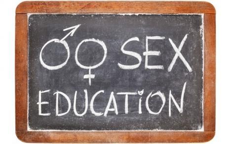 Scandal sexual la liceu: elevi filmaţi făcând sex în toaleta şcolii (VIDEO)