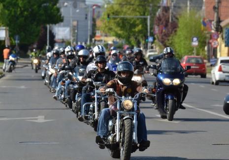 Show cu demonstraţii, antrenamente şi mulţi decibeli, în weekend, în Oradea! Motocicliştii deschid oficial sezonul moto (VIDEO)