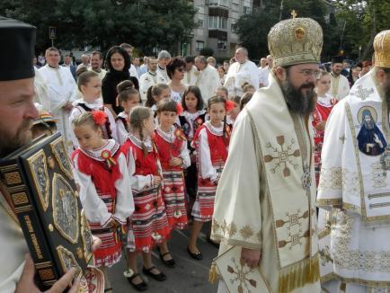 Sfinţire cu ştaif a Bisericii Sfântul Apostol Andrei (FOTO)
