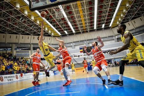 A cincea înfrângere: CSM CSU Oradea a pierdut derby-ul de la Sibiu, cu 76-83
