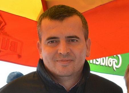 Comună îngheţată: Primarul comunei Căbeşti a cerut în instanţă dizolvarea Consiliului Local