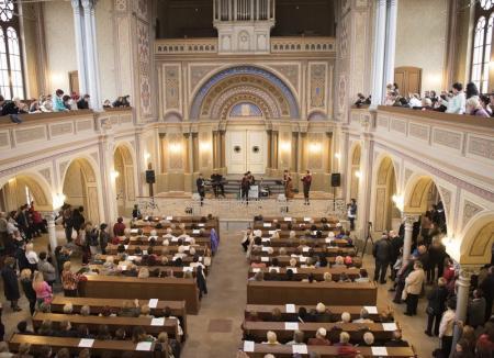 Turnul Primăriei Oradea, Sinagoga Sion şi Muzeul Oraşului pot fi vizitate şi în minivacanţa de 1 Mai