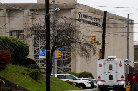 """""""Moarte evreilor!"""": Un bărbat a deschis focul într-o sinagogă din SUA, omorând 11 oameni"""
