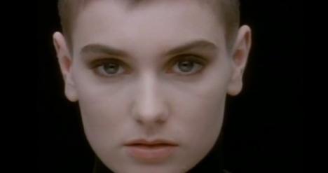 Cântăreaţa Sinéad O'Connor s-a convertit la islamism! (VIDEO)