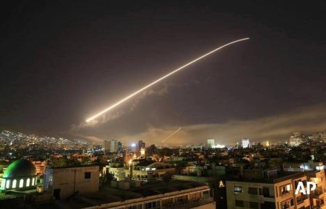 SUA, Marea Britanie şi Franţa au atacat Siria. Reacţia Rusiei: O insultă la adresa lui Putin (VIDEO)