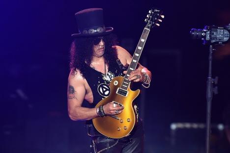 Divorţ pe bani grei: Câţi bani îi dă chitaristul Slash soţiei sale, ca să fie de acord cu despărţirea