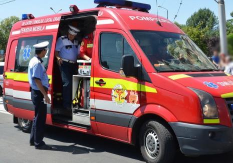 Scandal în Aleşd: Patru bărbaţi s-au luat la bătaie, unul a fost rănit serios şi va fi transportat la Cluj