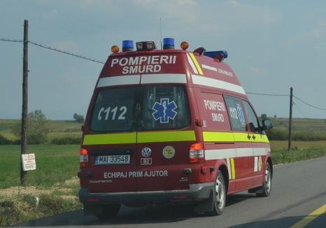 Incident şocant în Bihor: O femeie s-a aruncat într-o căpiţă de fân căreia i-a dat foc