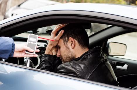 Beţi criţă la volan, pe şoselele din Bihor: Un şofer a avut 1,40 mg/l alcool pur în aerul expirat