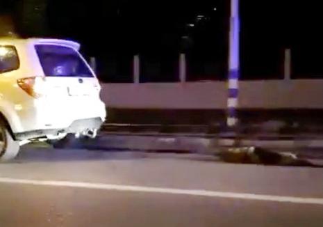 Șoferul prins în timp ce târa un câine legat de maşină s-a ales cu dosar penal: E un orădean de 49 de ani (VIDEO)