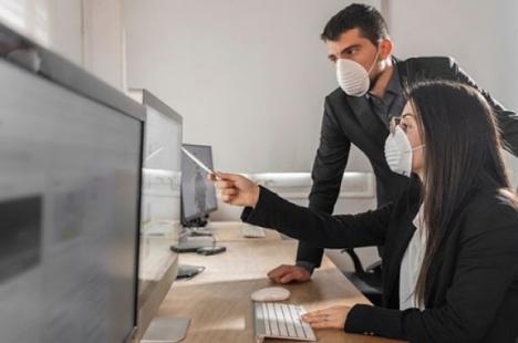În şomaj tehnic: Peste 150 de firme din Bihor, cu peste 1.400 de angajaţi, au cerut în prima zi sprijin pentru plata salariilor