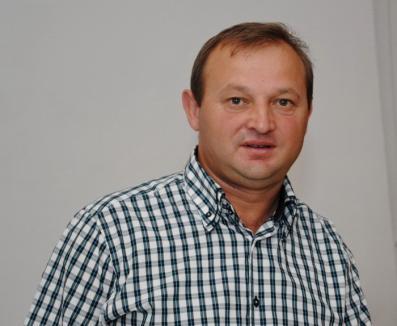 Condamnat pentru învârteli cu terenuri, primarul UDMR al comunei Paleu a rămas şi fără mandat