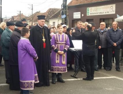 Trei zile de doliu în Vadu Crişului pentru preotul Sorin Mititean, răpus de Covid-19