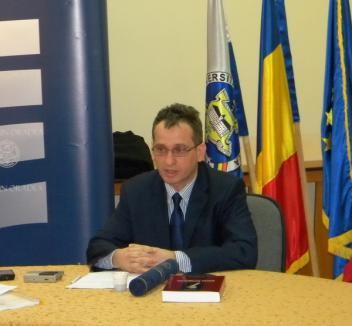 Profesorul universitar orădean Sorin Şipoş, premiat de Academia Română