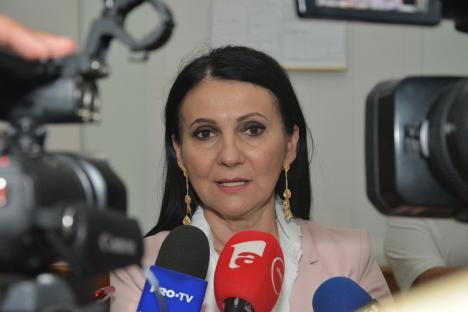 Fostul ministru al Sănătăţii, Sorina Pintea, prinsă în flagrant de DNA cu şpagă!