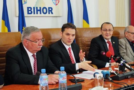 """Ministrul Şova a venit la Oradea cu o """"tolbă"""" de noutăţi. Printre ele: Tronsonul Borş-Suplacu de Barcău al Autostrăzii va fi gata până în 2016"""