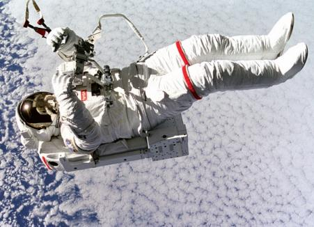Gagarin îi învaţă pe micuţii orădeni despre călătoria în spaţiu