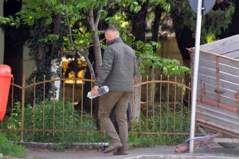 Șpaga de Paști: BIHOREANUL i-a surprins în flagrant pe pădurarii Ocolului Silvic Oradea ducând mită miei, palincă și vin pentru șefi (FOTO / VIDEO)