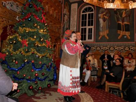 'Deschide uşa, creştine': Un concert de colinde dintr-o biserică din Bihor va fi transmis la TV în ziua de Crăciun (FOTO)