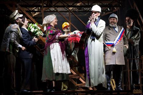'Revizorul', spectacolul care a adus Oradiei două premii UNITER, poate fi văzut din nou la Teatrul Regina Maria (FOTO)