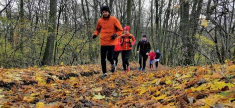 Alergător fără limite: Fost împătimit al culturismului, Cristian Marian îi scoate săptămânal pe orădeni la alergare prin parcuri sau pădure (FOTO)