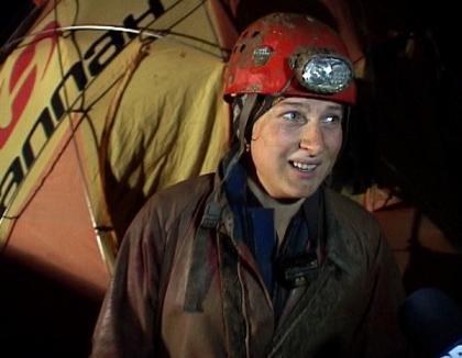 Speologii clujeni ar fi murit înecaţi dacă încercau să iasă singuri din peştera Cociu (FOTO)