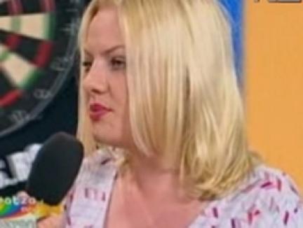 O nouă 'divă' se face de râs chiar şi pe playback (VIDEO)