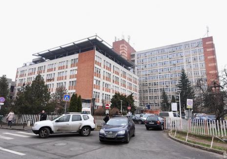 Măsuri la spitalele Judeţean şi Municipal din Oradea din cauza coronavirusului. Vizitatorii nu au acces, dar vor primi numărul de telefon al secţiei şi medicului curant