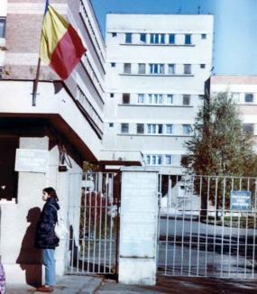 Moşul cel rău, la spitalul din Salonta
