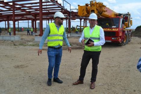 Se lucrează la noul terminal al Aeroportului Oradea. Construcţia va fi gata la toamnă (FOTO)
