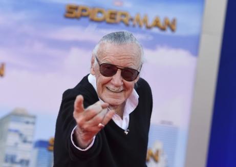 """Stan Lee, """"părintele"""" supereroilor Marvel, a murit la 95 de ani. Părinţii lui au fost români, dar el n-a fost niciodată în România"""