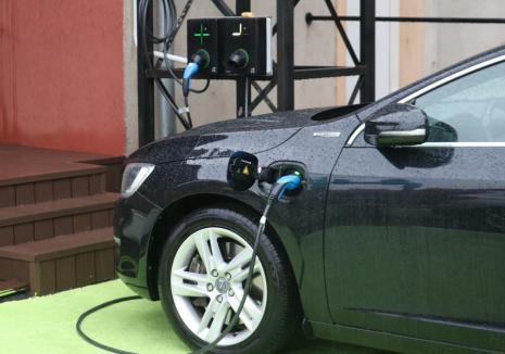 16 noi staţii de încărcare pentru maşinile electrice, în parcările din Oradea. Vezi exact unde!