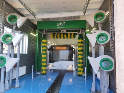 Dezinfecție în tramvaie și autobuze: OTL a pus în funcțiune una dintre cele mai moderne stații de spălat autobuze din țară (FOTO / VIDEO)