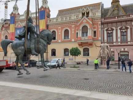 """Mihai Viteazul a părăsit Piața Unirii. Fostul comandant al Garnizoanei Oradea spune că este o """"rușine națională"""" (FOTO / VIDEO)"""
