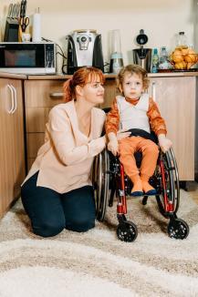 Dezbinaţi pentru Ştefan: Mama unui băieţel bolnav a strâns peste 2 milioane de dolari pentru un tratament minune, dar tatăl, medic, se opune (FOTO / VIDEO)