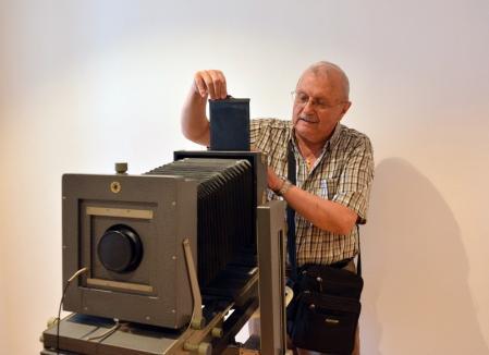 Donaţie pentru Oradea: Artistul fotograf Ştefan Toth a donat oraşului exponatele din Muzeul de Fotografie