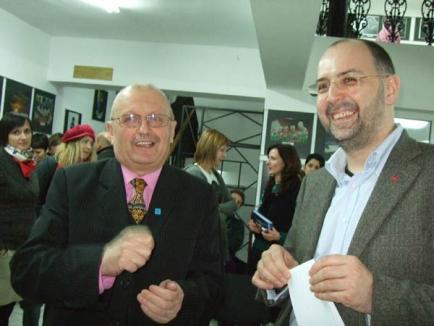 Ministrul Kelemen Hunor a vernisat o expoziţie despre maghiari la Galeria Euro Foto Art (FOTO)