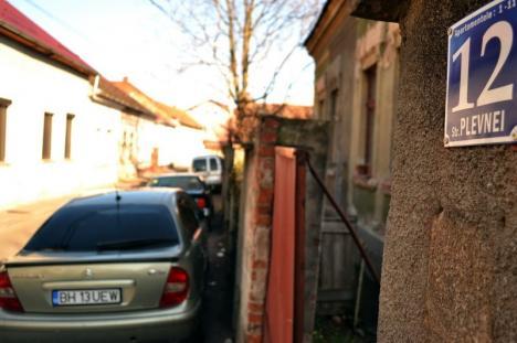 Operaţiunea 'Buldozerul': Strada Plevnei va fi lărgită la două benzi, prin demolarea unui şir de case (FOTO)