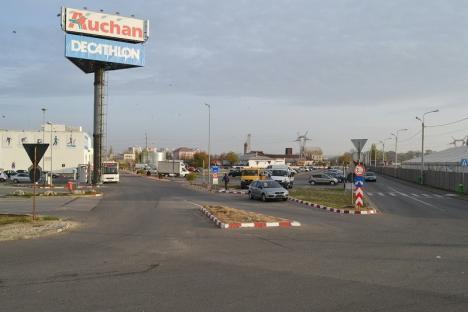 Circulația auto între magazinul Auchan și Peța se închide începând de luni până pe 24 august pentru construirea noii linii de tramvai