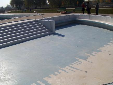 Ştrand pe sec: Construit prost, pe bani europeni, ştrandul termal din Marghita este în continuare închis(FOTO)